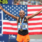 Skechers Marathoner Meb Keflezighi Collapses to Cheers at His Last Race